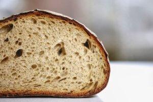 Brot richtig frisch halten